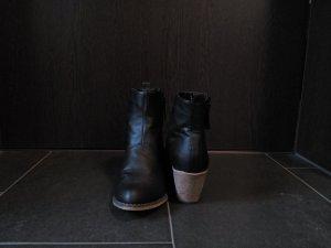 Stiefeletten in schwarz