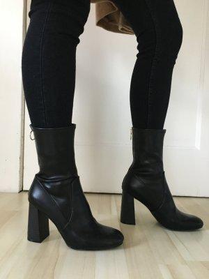 Stiefeletten in schwarz aus H&m