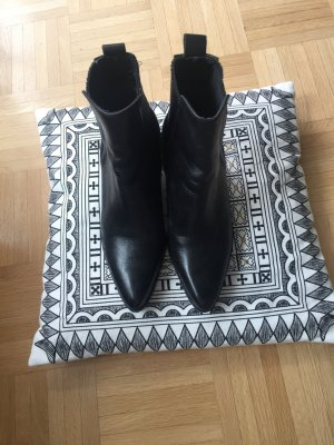 Stiefeletten in schwarz größe 37