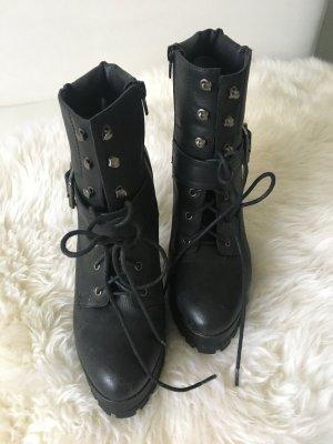 Stiefeletten in schwarz von JustFab, Gr. 40
