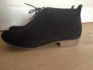 Stiefeletten mit Cut outs