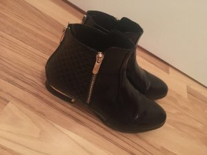 Booties black-gold-colored
