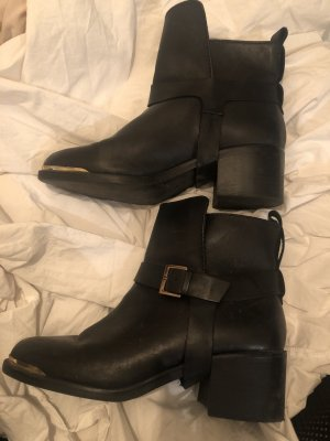 Stradivarius Slouch Booties black