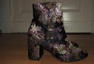 Stiefeletten mit Jacquard-Blumenmuster