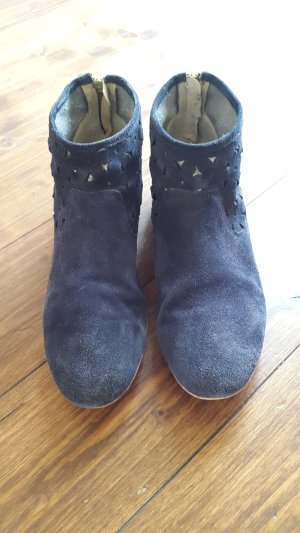 Cut Out Booties dark blue suede