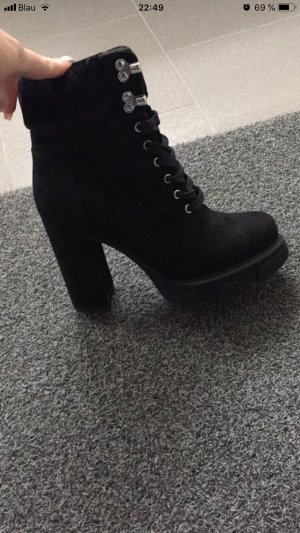 Catwalk Platform Booties black