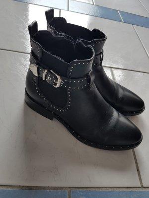 Stiefeletten schwarz Größe 38