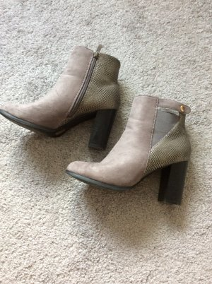 Cut Out Booties multicolored