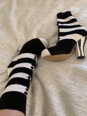 Booties black-white