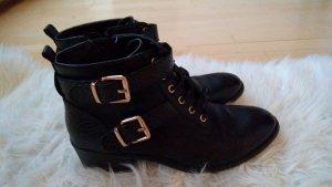 Stiefeletten Stiefel mit Schnallen blogger