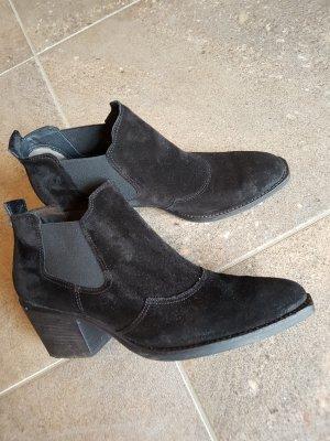 Stiefeletten von Paul Green in schwarzen Rauhleder
