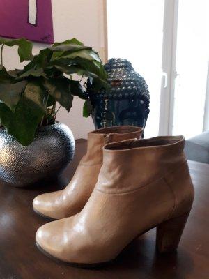 Stiefeletten von SPM Shoes