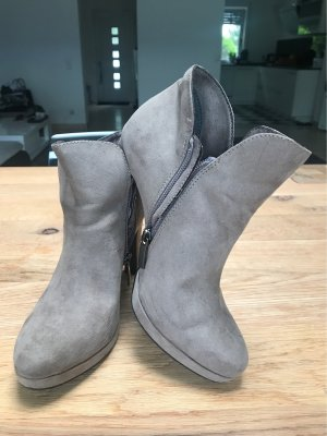 Tamaris Platform Booties grey brown