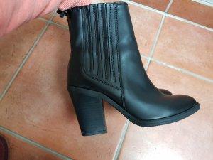 Stiefellete Gr.38/ Boots/ Schuhe/ Winterschuhe/ Sneaker/ Bikerschuh