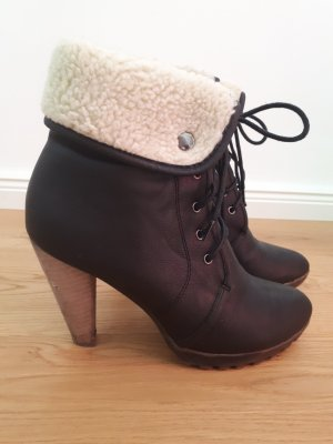 Buffalo girl Lace-up Booties black-natural white