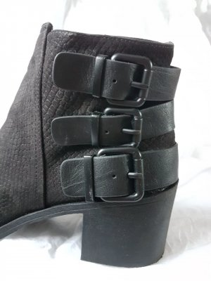 H&M Boots black