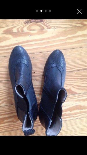 Stiefelletten, schwarz. Größe 41, sehr schmal