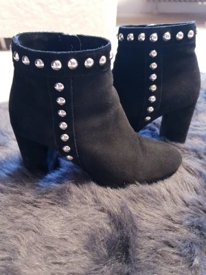 Guess Ankle Boots black