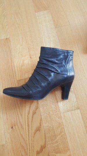 Stiefletten in schwarz