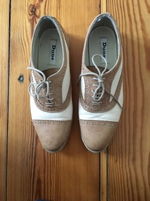 Stil Budapester Schuhe von Dune London