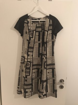 Stills Kleid