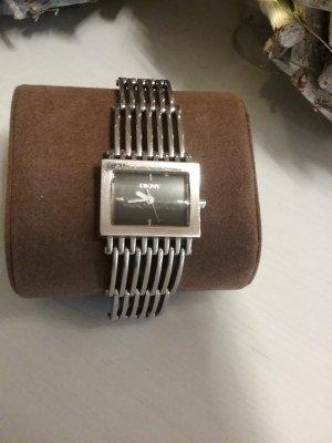 Stilvolle  Armbanduhr von DKNY...Top  Zustand !!!!