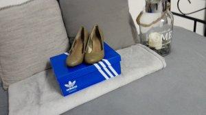 * stilvolle Schuhe *