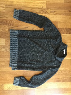 Stilvoller Pullover von Boss