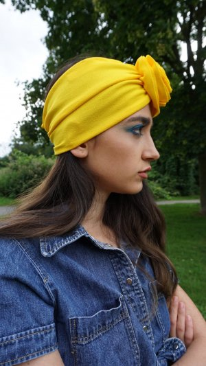 Headdress yellow