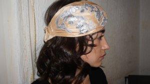 Haarband lichtgeel-zilver
