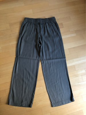 Stoffhose mit breiten Bein 40/32