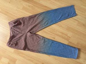 Stoffhose mit elastischem Bund