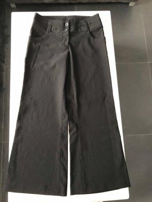 Stoffhose Schlaghose in schwarze  Farbe