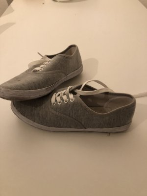 Zapatos brogue gris claro