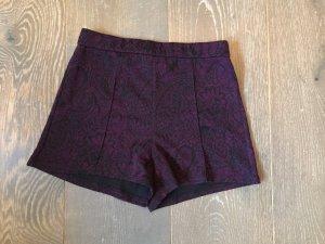 High-Waist-Shorts black-lilac