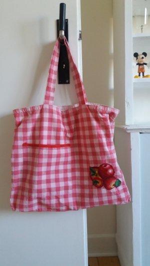 Stofftasche mit Apfelmotiv