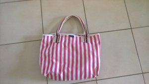 Stofftasche mit maritimen Streifen
