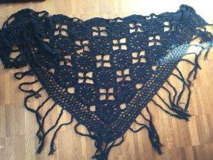 Écharpe en crochet bleu foncé