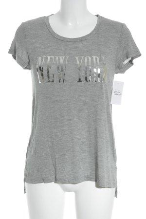 Stradivarius T-Shirt grau-silberfarben Schriftzug gedruckt Street-Fashion-Look