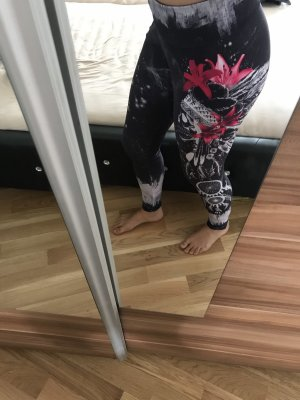 Straight and Strong Leggings