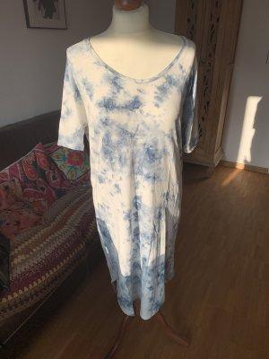 Robe longue blanc-bleu azur