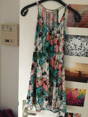Strandkleid.  Blumen