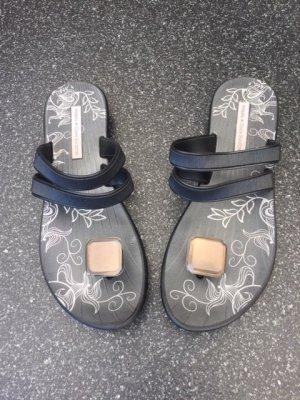 Ipanema Toe-Post sandals black-bronze-colored