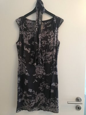 Strass-Kleid von Pepe Jeans mit Schal