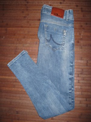Strechige skinny Jeans von LTB W28 L32 ca. Gr. 36-38