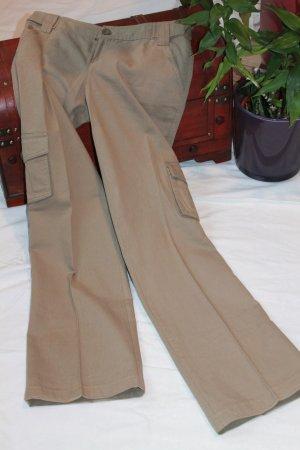 Street Fashion Look Hose in Olivgrün Größe 34