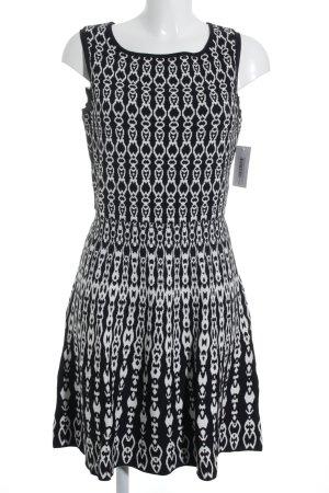 Street One A-Linien Kleid schwarz-weiß abstrakter Druck Street-Fashion-Look
