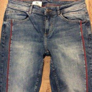 Street One Jeans slim bleu acier-rouge fluo