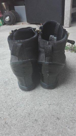 Streetwear Schuhe mit Keilabsatz!