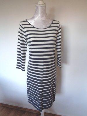 Robe trapèze noir-blanc fibre textile